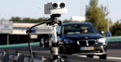 Los radares de la Dirección General de Tráfico detectan medio millar de infracciones cada hora