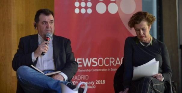 Arsenio Escolar, presidente de la Asociación Española de Editores de Publicaciones Periódicas, y Mar Díaz Varela, de la Comisión Nacional de los Mercados y la Competencia. PDLI
