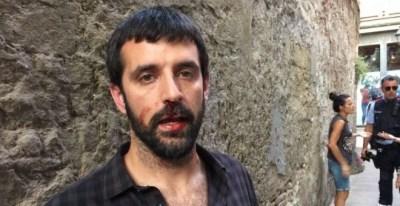 Jordi Borràs, después de la agresión. Imagen cedida por 'El Món'/QS