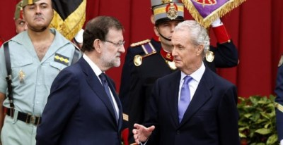 Pedro Morenés, ministro de Defensa, junto a Mariano Rajoy. EFE