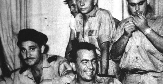 Guerrilleros del DRIL a bordo del transatlántico Santa María durante el secuestro.