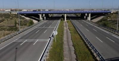 Imagen de una de las autopistas radiales de Madrid, en quiebra. EFE