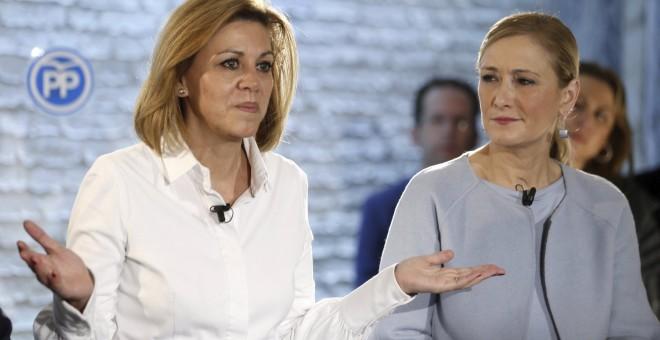 La secretaria general del PP, María Dolores de Cospedal, y la presidenta de la Comunidad de Madrid y de la gestora del PP de Madrid, Cristina Cifuentes, en una imagen de archivo. EFE