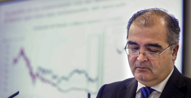 El presidente saliente del Banco Popular, Ángel Ron, durante la presentación de los resultados de 2016. EFE/Emilio Naranjo