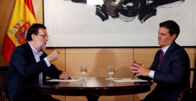 El presidente del Gobierno, Mariano Rajoy, y su socio en el pacto de investidura, Albert Rivera (C's), en una imagen de archivo. REUTERS