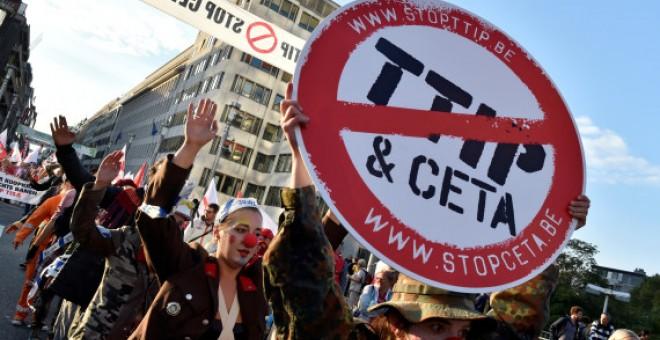 Concentración en Bruselas en contra del CETA y del TTIP. Reuters