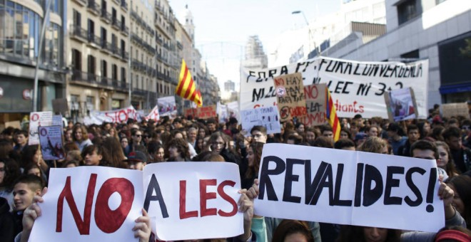Manifestación contra la Lomce en Barcelona. EFE