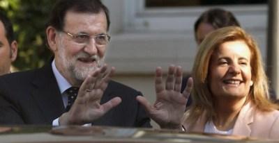 El presidente del Gobierno, Mariano Rajoy, con su ministra de Empleo, Fátima Báñez, impulsora de la reforma laboral de 2012.