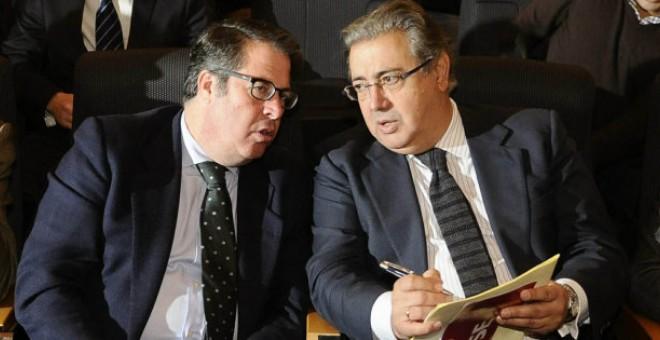 Gregorio Serrano y Juan Ignacio Zoido, en una imagen de su etapa en el Ayuntamiento de Sevilla. /EFE