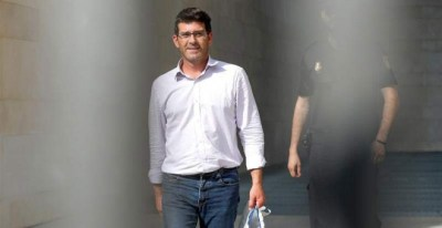 El presidente de la Diputación de Valencia, Jorge Rodríguez, en el momento de quedar en libertad el pasado jueves. (MANUEL BRUQUE | EFE)
