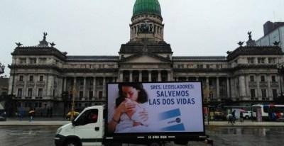 Campaña de CitizenGo en Argentina, el lobby internacional fundado en 2013 por Hazte Oír. / CITIZENGO