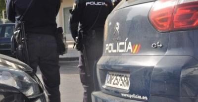 Imagen de archivo de dos agentes de policía. POLICÍA NACIONAL