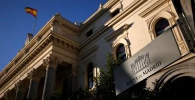 Fachada del edificio de la Bolsa de Madrid. REUTERS