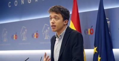 El diputado Íñigo Errejón, durante la rueda de prensa. EFE/ J. P. Gandul
