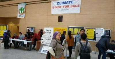 La Cumbres Social acogió la charla 'El Ibex patrocina el cambio climático'. / GUILLERMO MARTÍNEZ