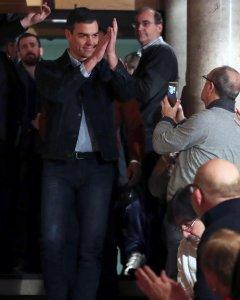 El secretario general del PSOE, Pedro Sánchez, a su llegada a la segunda Asamblea Abierta a la ciudadanía, en Madrid. EFE/J.J.Guillen