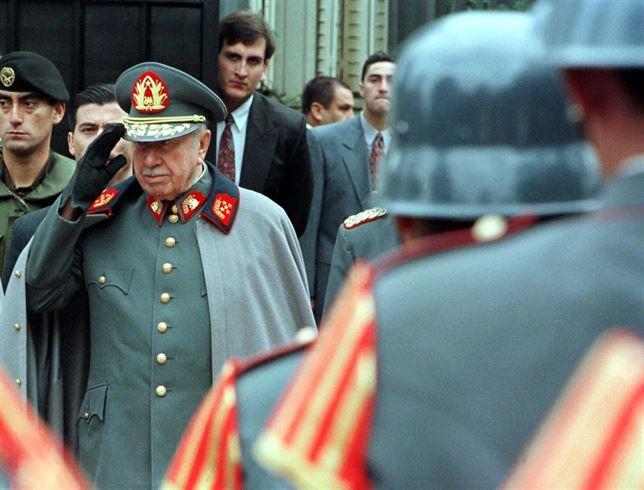 Resultado de imagen para Fotos de Pinochet, detiene a la dirección política clandestina del Partido Socialista de Chile.