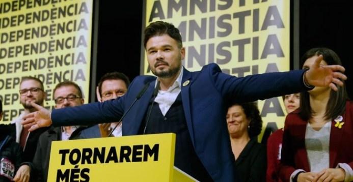 Consulta a las bases: ERC consultará el lunes a su militancia sobre la  investidura de Pedro Sánchez | Público
