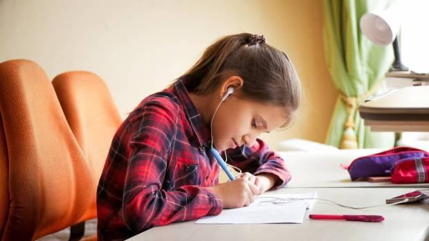 nauka zdalna, nauka w domu, lekcje