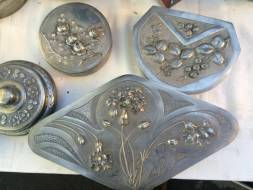 Un ensemble d'étains Art Nouveau