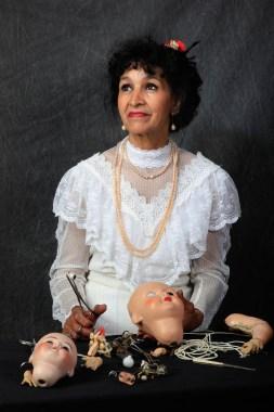 Amina (cl. Isabelle Mondet)
