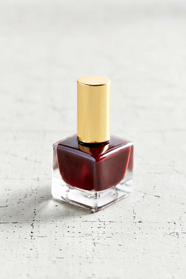 6 RED NAIL POLISH COLORS TO BRIGHTEN YOUR FALL - Pucker and Pout