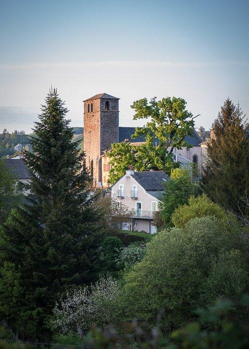 Pueblo Latino Vues d'Arvieu Aveyron