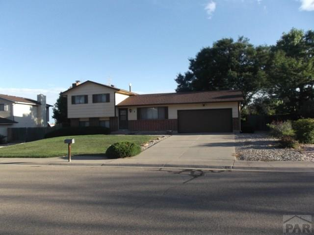 8 Hampton Lane Pueblo CO 81001