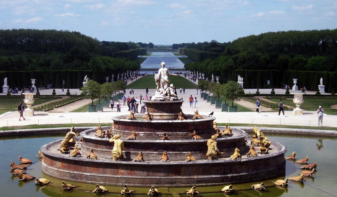 Fuente en los Jardines de Versailles