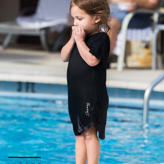 She when insane and jump in the pool. Parents can keep buying boring Carter's cloth or go cool or insane and get Insane Kids Clothing Line @insane.kids model: @penelopecarmonadoldan photo: @letusdotheworkforyou @puertoricounder @luiscarmona #kidsmodels #models #girlsmodels #insanekids