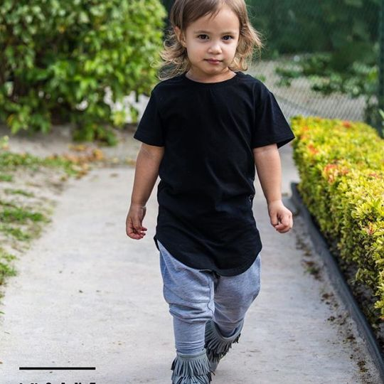Parents can keep buying boring Carter's cloth or go cool or insane and get Insane Kids Clothing Line @insane.kids model: @penelopecarmonadoldan photo: @letusdotheworkforyou @puertoricounder @luiscarmona #kidsmodels #models #girlsmodels #insanekids