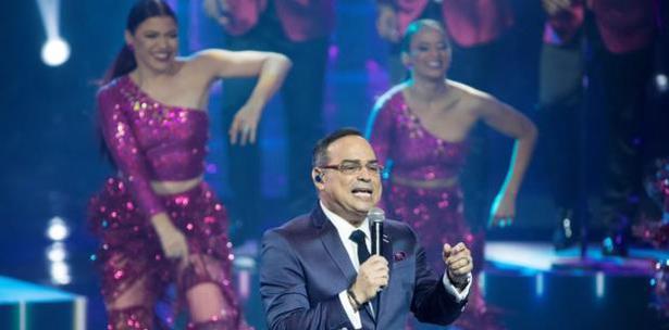 Gilberto Santa Rosa lanza «40…Y Contando En Vivo Desde Puerto Rico»
