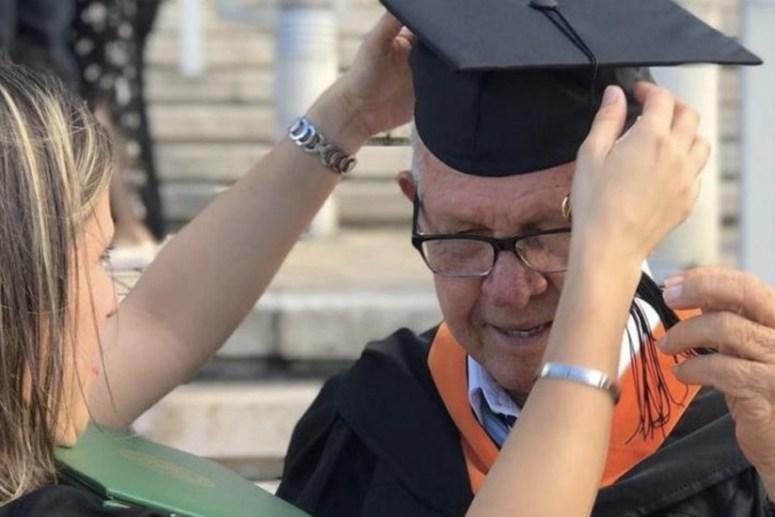 Hombre de 78 años se gradúa como ingeniero industrial en Puerto Rico