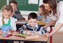 Lehrer_in in Grundschule