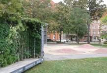Anhänger mit Pflanzen-Wand auf Erfurter Platz