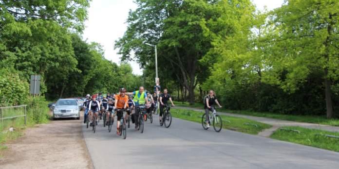 Fahrradfahrer im Park