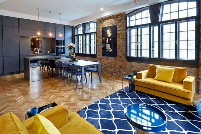 Stylish Loft Apartment In Former