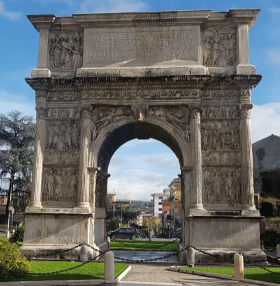 Arco di Traiano (114 d.c) - Benevento