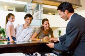 offerta di lavoro Portiere d'albergo