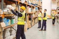 Operatori logistici di magazzino, magazzinieri
