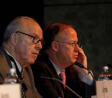 Hans Blix en Georg Frerks tijdens een sessie over ontwapening