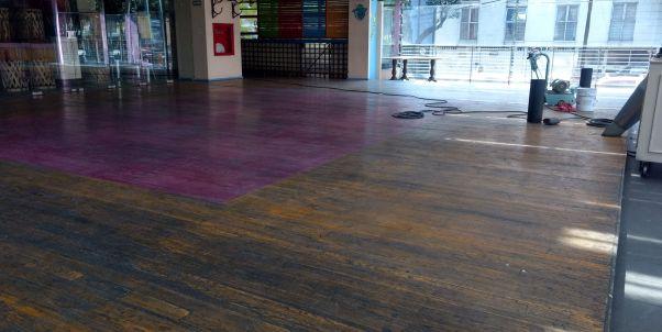 pulido de pisos de madera en restaurantes