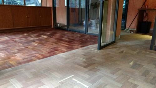 Barnizado de piso de madera