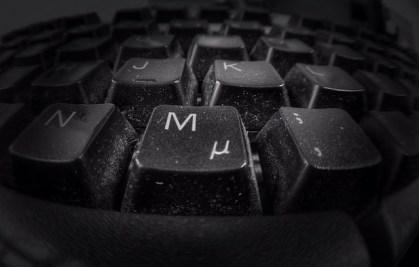 pulire tastiera pc
