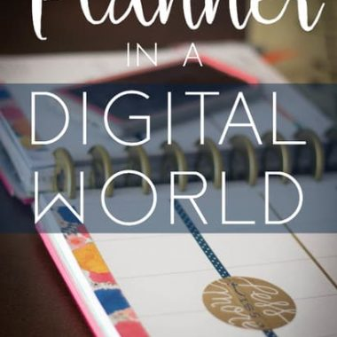 How to Use a Paper Planner Effectively Along with a Digital Planner