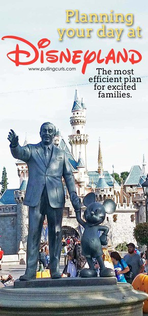 Disneyland   planning   day   rides   where to go   what to see   Fun   families   princesses via @pullingcurls