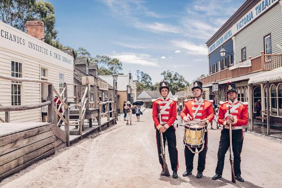 sovereign-hill-red-coats