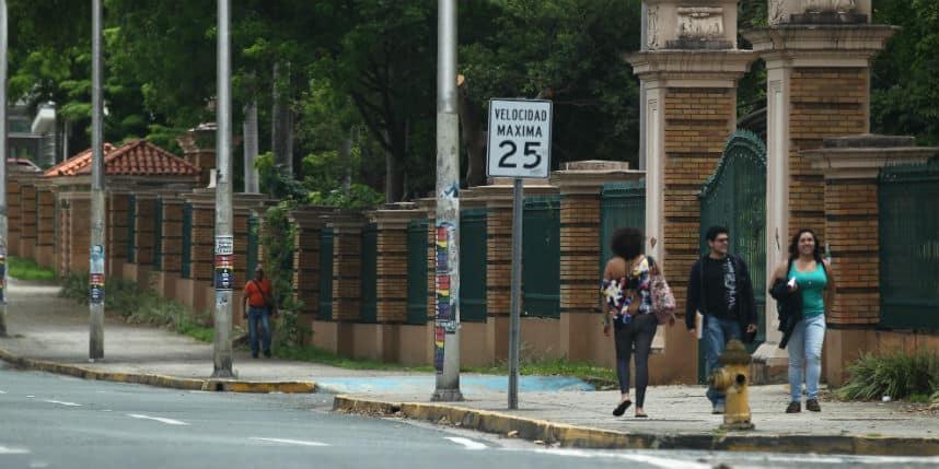Anuncian proceso de firma de contratos para residencias universitarias
