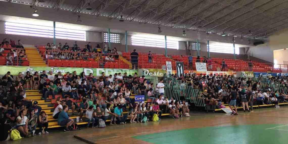 UPR de Arecibo opta por luchar con los portones abiertos