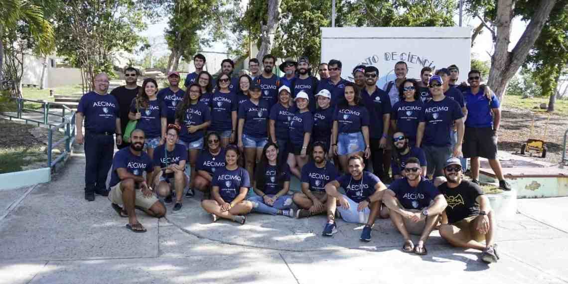 Nuevos científicos marinos del RUM educan en Magueyes